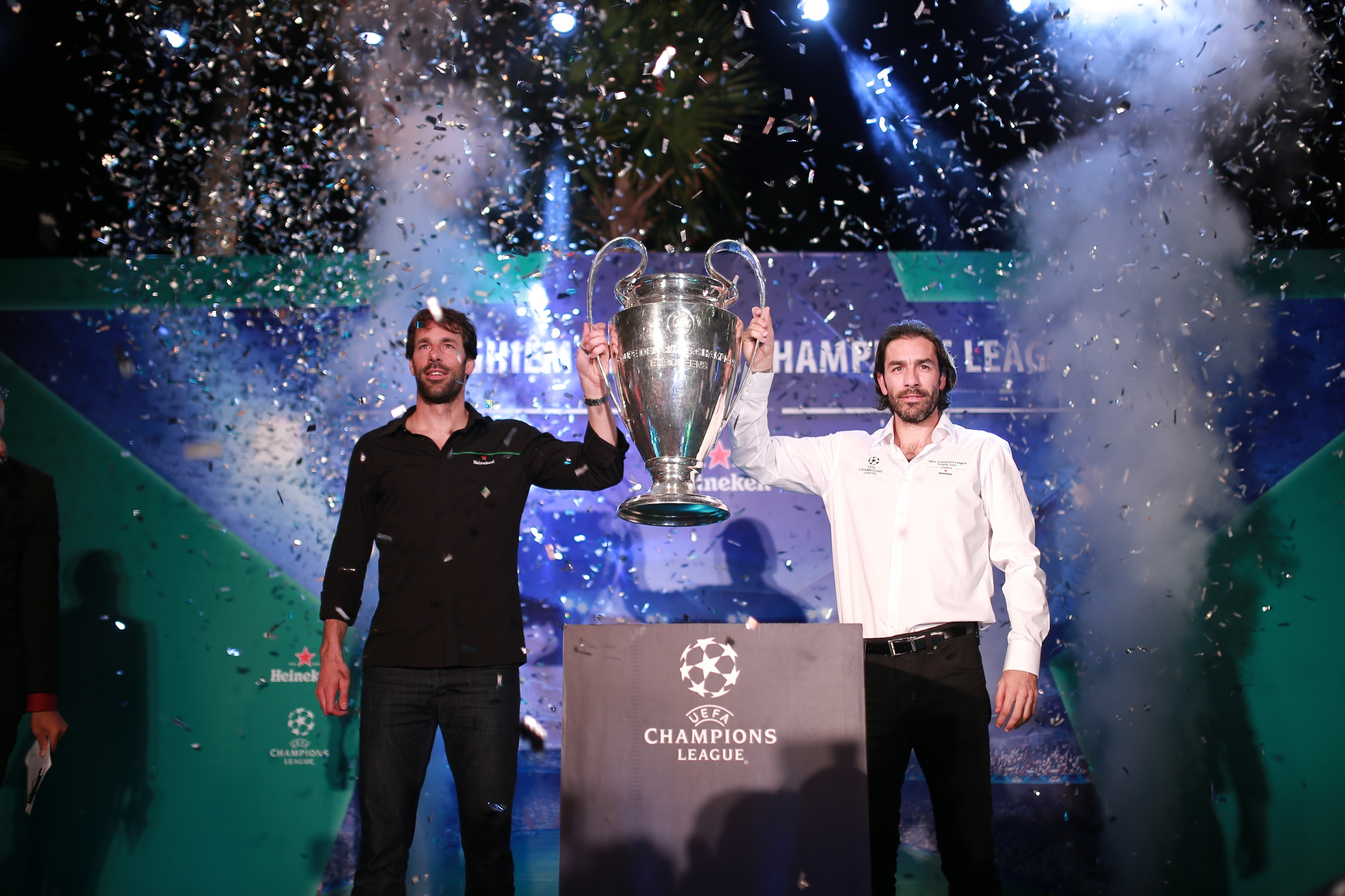 Lần đầu trải nghiệm Cúp UEFA Champions League tại Việt Nam